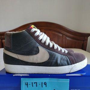 3c3c911db61 2008 Nike Blazer mid sb